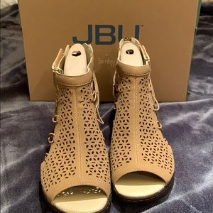 Brand new JBU wedges
